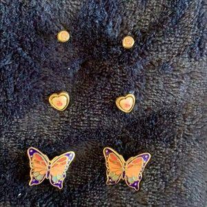 Jewelry - Pierced vintage earrings